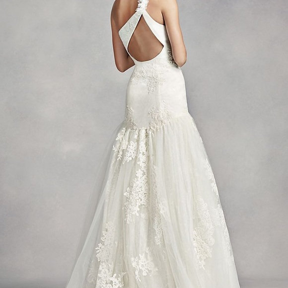 Vera Wang One Shoulder Ivory Wedding Dress